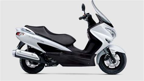 Atasan Suzuky suzuki akan membuat maxi scooter untuk melawan nmax papa pos