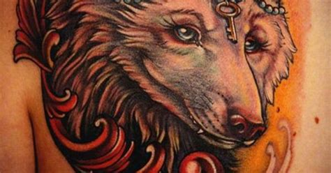 feminine wolf tattoo body art pinterest wolf tattoos