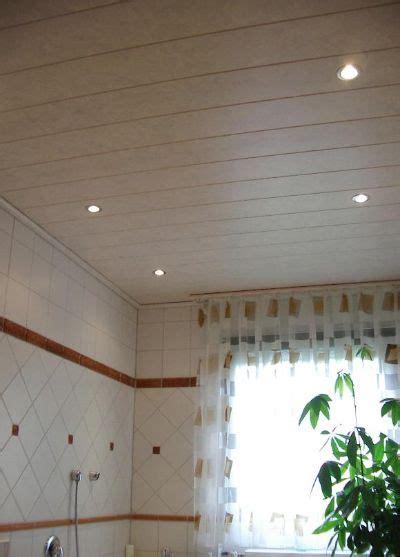 Decken Badezimmer by Decke Im Badezimmer Mit Einbaustrahler Bilder