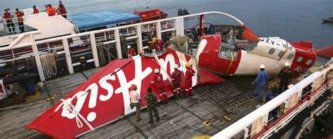airasia update news airasia flight 8501 co pilot was flying plane at time of