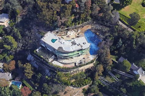 bel air mansion is more illegal work going on at mohamed hadid s bel air