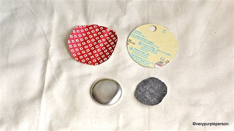 Making fabric button necklace   Flickr   Photo Sharing!