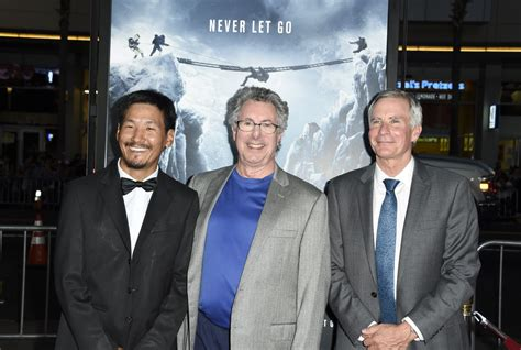 film everest beck weathers behind the devastating drama of the new movie everest