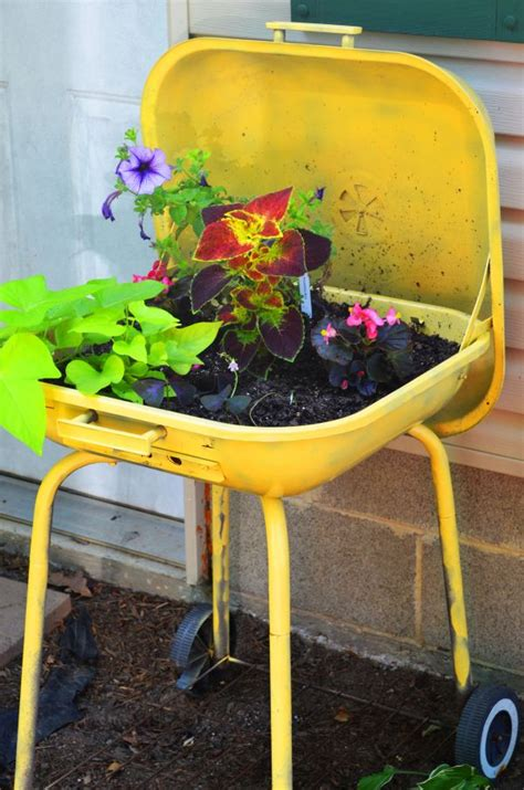 Planters Ideas by 5 Unique Planter Ideas