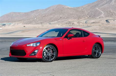 subaru brz vs scion fr s 2017 subaru brz vs 2017 toyota 86 compare cars