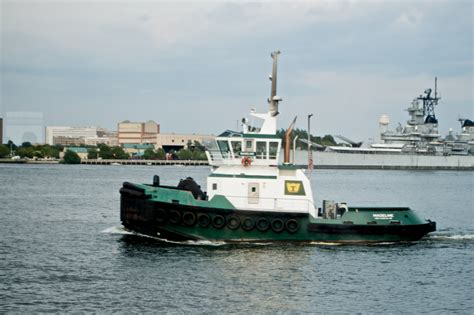 file tugboat madeline jpg wikimedia commons - Tugboat Size
