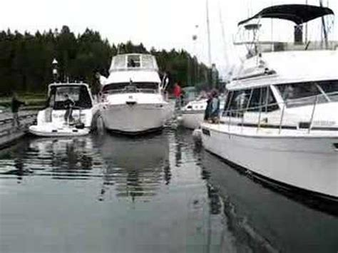 boat docking fails compilation boat docking contest waterman s rodeo doovi