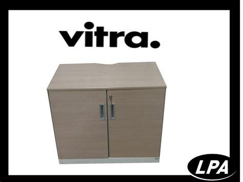 Armoire Vitré by Armoire Basse Vitra Portes Battantes Cr 233 Dence