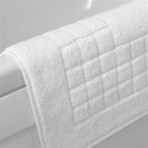 White Bath Mat by White Checkerboard Bath Mats For Hotels Richard Haworth