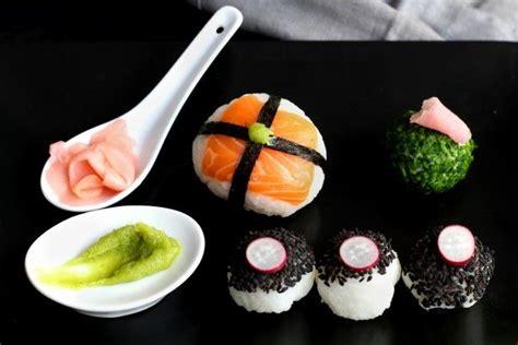 come cucinare il sushi come preparare le palline di sushi
