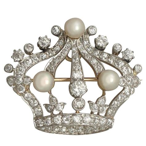 Crown Brooch pearl and 2 63 carat 14k yellow gold crown