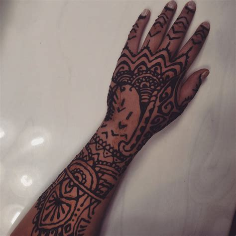 rihanna henna hand tattoo henna design inspired by rihanna s by layegua