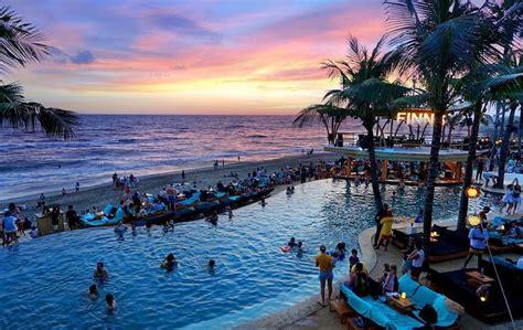 finns beach club  years eve  coconuts directory