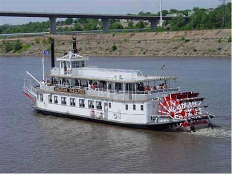 living on a boat on the mississippi river 1000 images about boats mostly barges houseboats wooden
