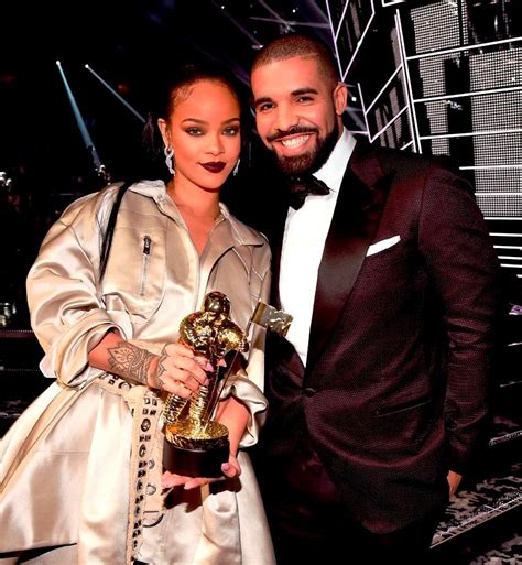 rihanna and drake shipping rihanna and drake as they kiss on stage during