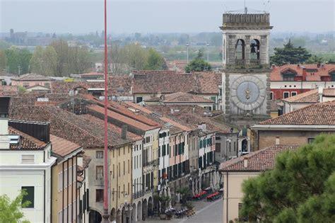veneto este este middle age town in the euganean
