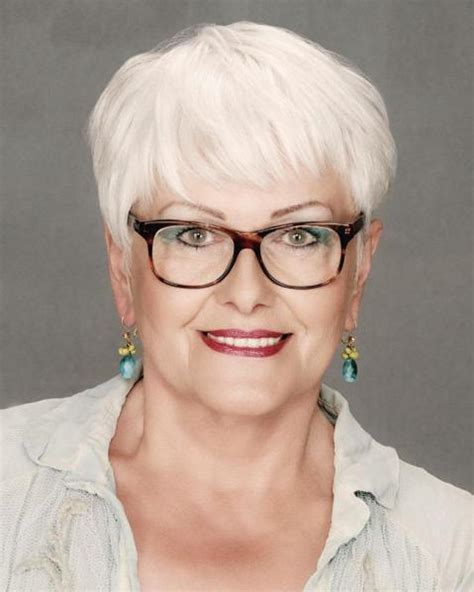Hairstyles Glasses by Hairstyles For 60 With Glasses
