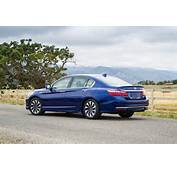 2017 Honda Accord Hybrid  Rear End 02