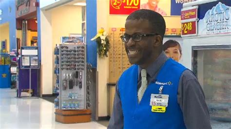 Walmart Door Greeter by Wal Mart Greeter Uses Jokes Carols To Ease Stress Of