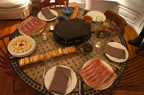 raclette nette runde tolles essen der klassiker