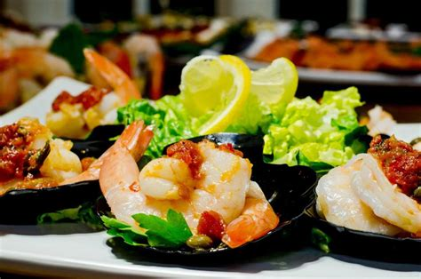 cocktail hor dourves hors d oeuvres cocktail the burbank caterers