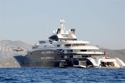 bill gates house boat bill gates vacations better than most on yacht near italy