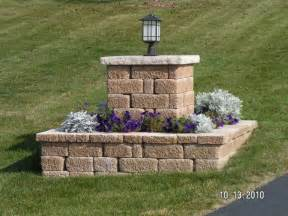 Driveway Entrance Planters by Country Landscape Ideas For Drive Way Entrance Rock