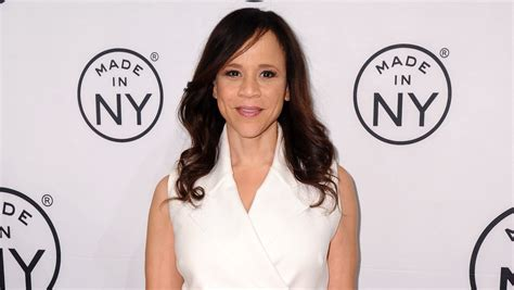why does rosi on the view wear a wig find out why rosie perez is leaving quot the view quot cbs news