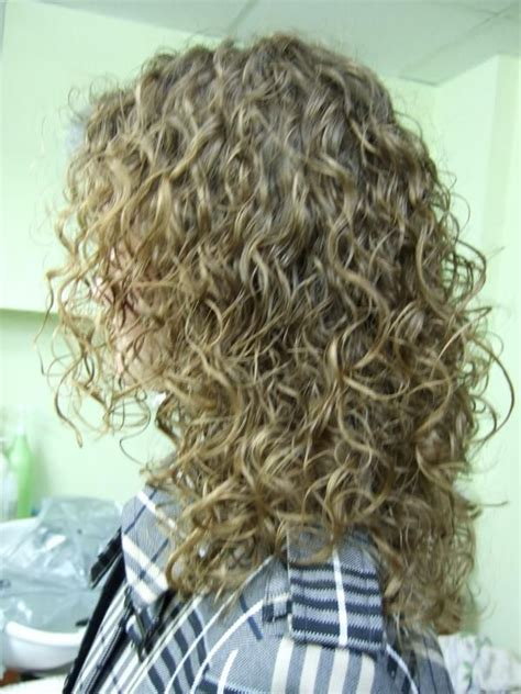 new spiral perm tips looser spiral perm hairstyles pinterest back to