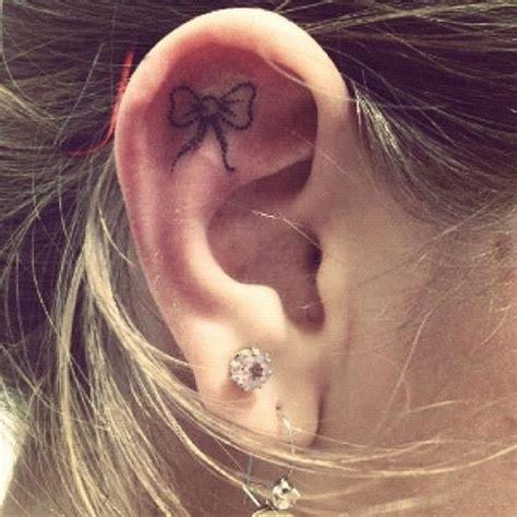 tatouage fleur oreille mod 232 les et exemples
