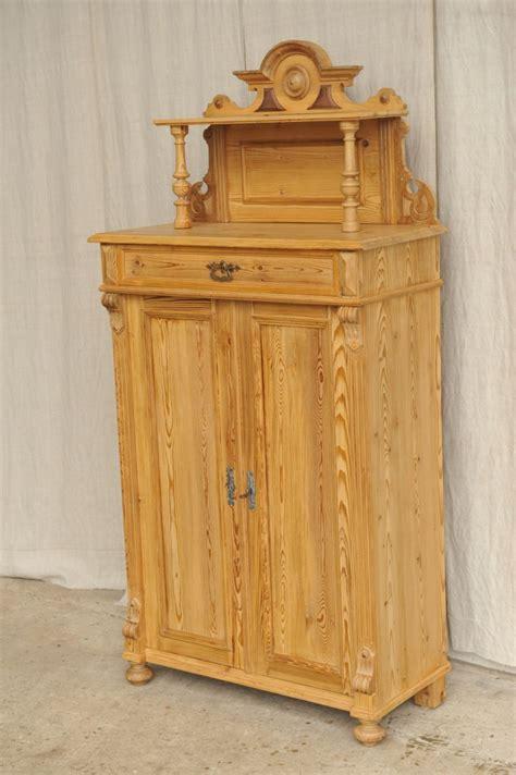 vertiko mit aufsatz vertiko mit aufsatz weichholz antik im hof