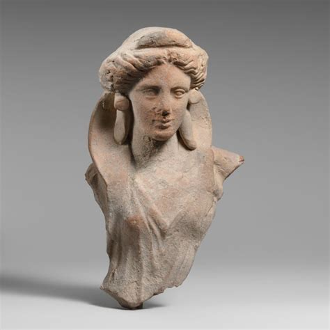 ancient greek woman statue top 25 ideas about ancient greek on pinterest statue of