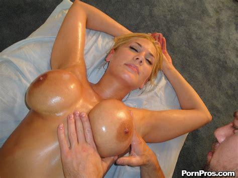 Alanah Rae Hot Busty Blonde Oiled Up Hdporner Com
