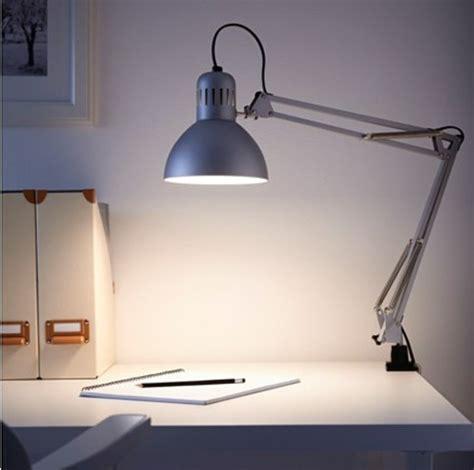 comment choisir votre le de bureau design alin 233 a leroy
