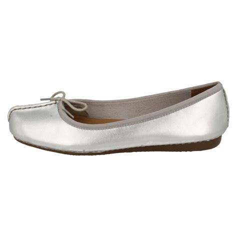 comfort flat shoes ladies clarks comfort everyday leather ballerina style