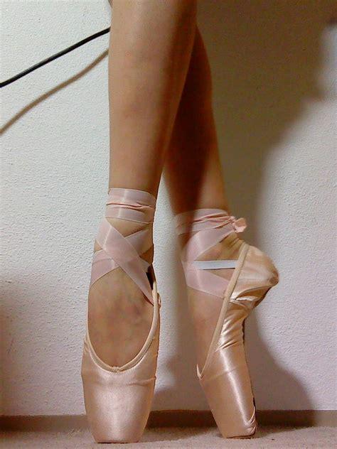 grishko pointe shoes grishko 2007 pointe shoes by balerina97 on deviantart