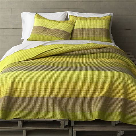 green bed 17 fabulous modern bedding finds
