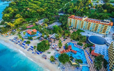relaxing at the jewel dunns river beach resort spa 10 best adult only all inclusive resorts in jamaica