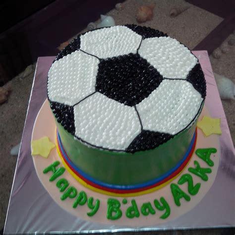 Hiasan Kue Ulang Tahun Dengan Bola Bola Kecil Warna Warni Dari Plastik jual kue gambar bola harga murah jakarta oleh khena cake