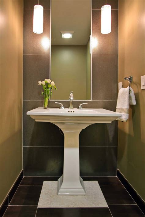 Pedestal Sink Bathroom Ideas by Pedestal Sink Bathroom Design Ideas