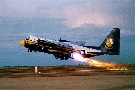 decollo aereo dalla cabina come calcolare la potenza per il decollo di un aereo