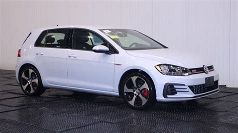 volkswagen gli hatchback 2018 volkswagen golf gti s hatchback in braintree
