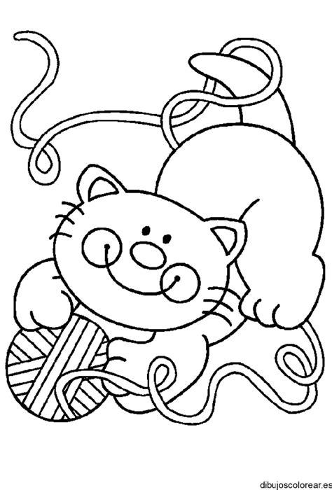 Dibujo de niña con un gato y su madeja
