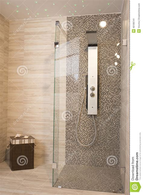 doccia moderna doccia moderna fotografia stock immagine 40189741