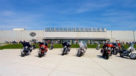 Harley Davidson In Kansas by Harley Davidson Factory In Kansas City Expedia De