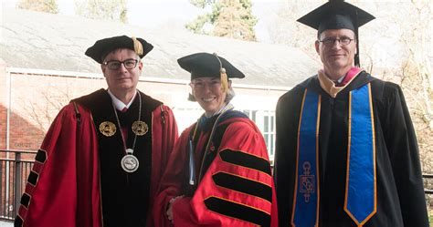 Of Portland Mba Curriculum by Mba For Professionals Program Celebrates Commencement