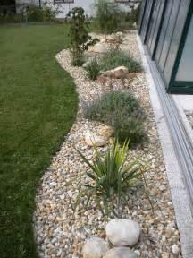 gartengestaltung mit kies und steinen gartengestaltung mit steinen und pflanzen gartens max
