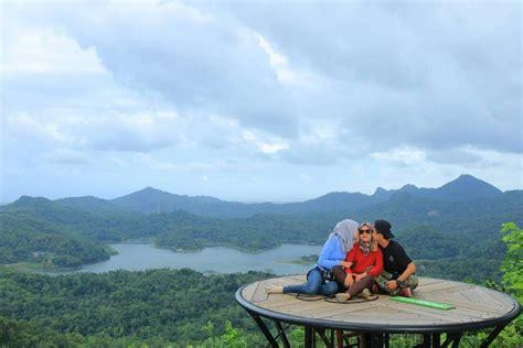 desa wisata  kulon progo  panorama bukit hingga