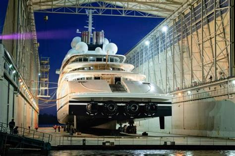 largest boat makers in the world azzam mega yacht built by l 252 rssen snatches title of