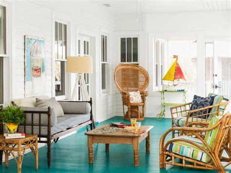 dream beach cottage with neutral coastal decor home beach cottage bargain decorating hgtv